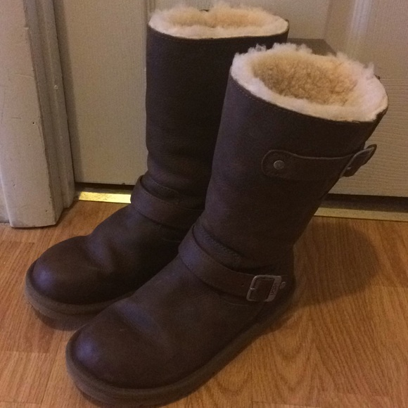 81c9886b068 UGG Kensington 5678 brown leather women's size 8